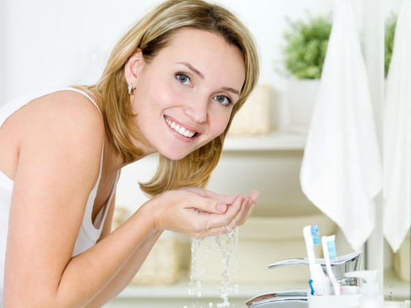 depositphotos_5456063-stock-photo-woman-washing-face-with-water.jpg
